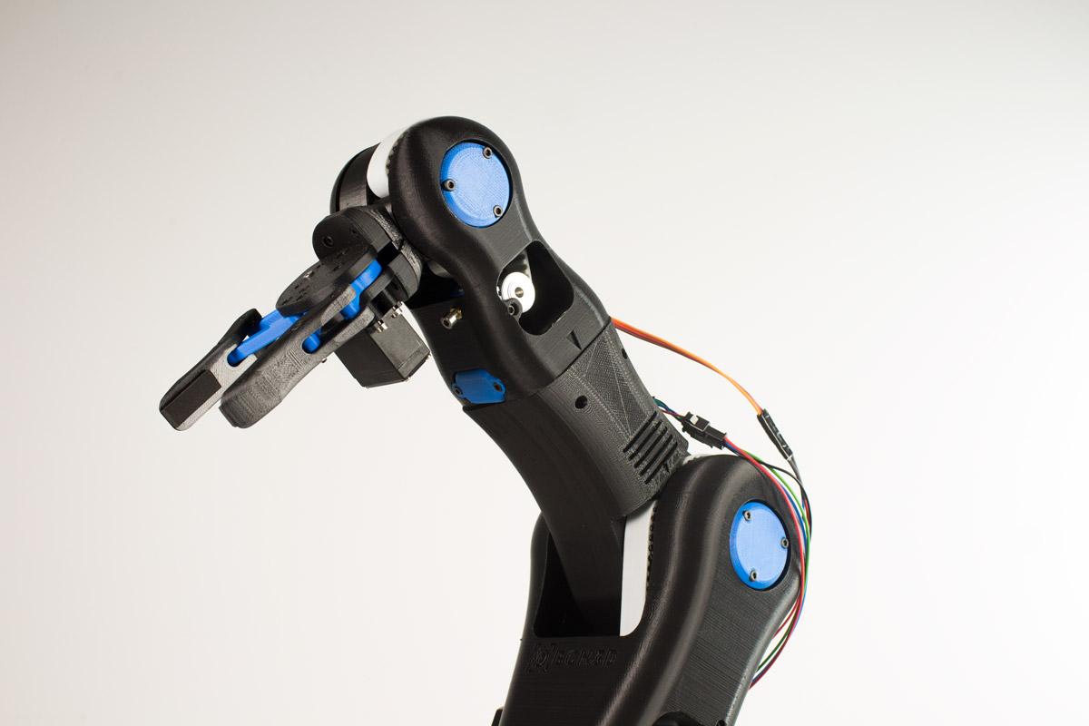 Impresora Bcn 3d caso práctico brazo robótico